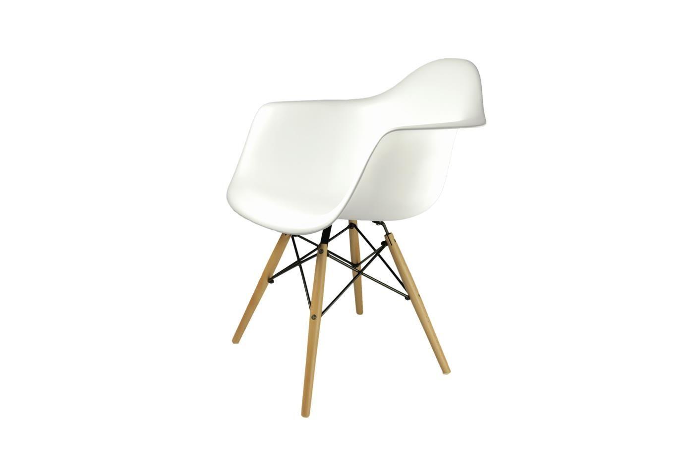 Eames DAW wit design stoel met houten onderstel. <strong><span style ...