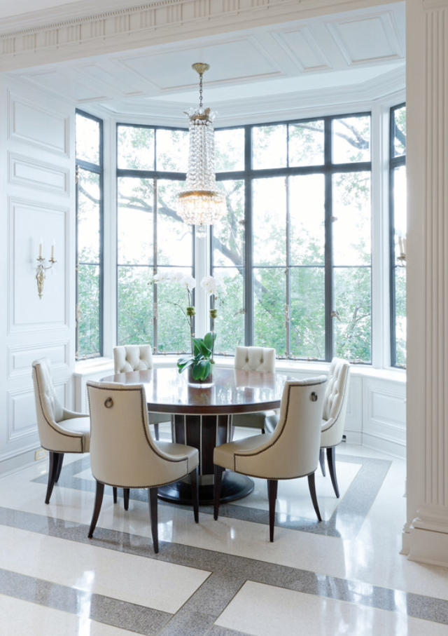 Bringing the outside in with gorgeous bay window dining