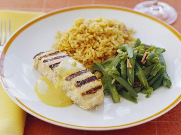 Fisch vom Grill mit grünen Bohnen und Reis ist ein Rezept mit frischen Zutaten aus der Kategorie Meerwasserfisch. Probieren Sie dieses und weitere Rezepte von EAT SMARTER!