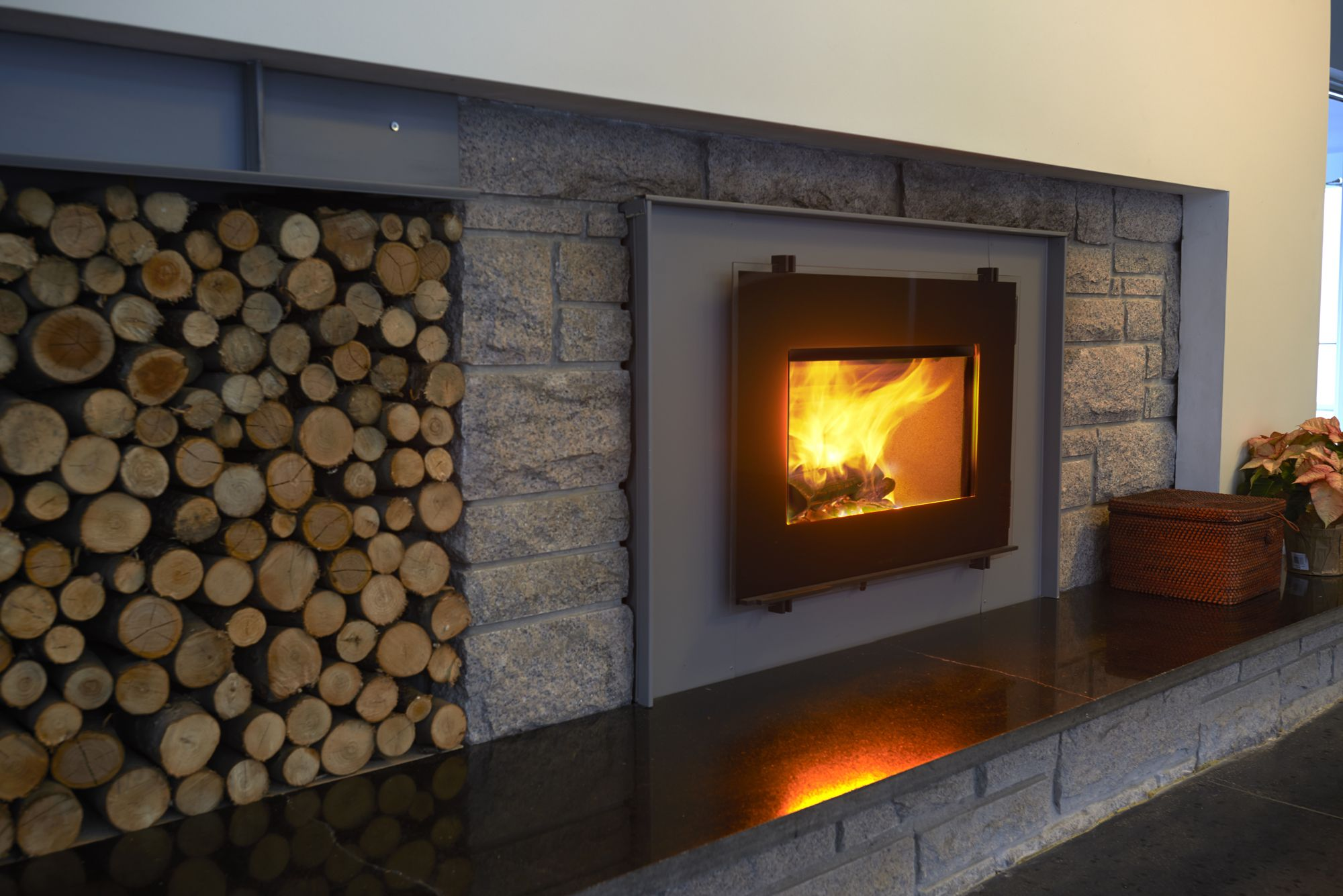 Modern Fireplace Insert 3055 Insert In A New England Modern Home For The Home Wood