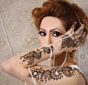 Bridesmaid Beautiful Henna Mehndi Designs New Gallery 2014 1 300x290 Bridesmaid Beautiful Henna / Mehndi Designs New Gallery 2014