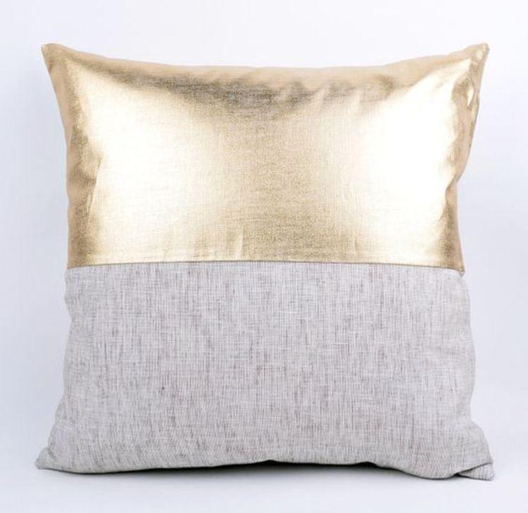 kissenbez ge n hen ist eine leichte aufgabe diy projekte kissenbez ge kunstleder und gold. Black Bedroom Furniture Sets. Home Design Ideas