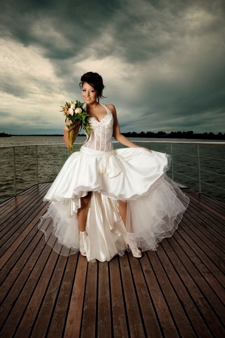 Getting ideas for your very own wedding gown with our large wedding