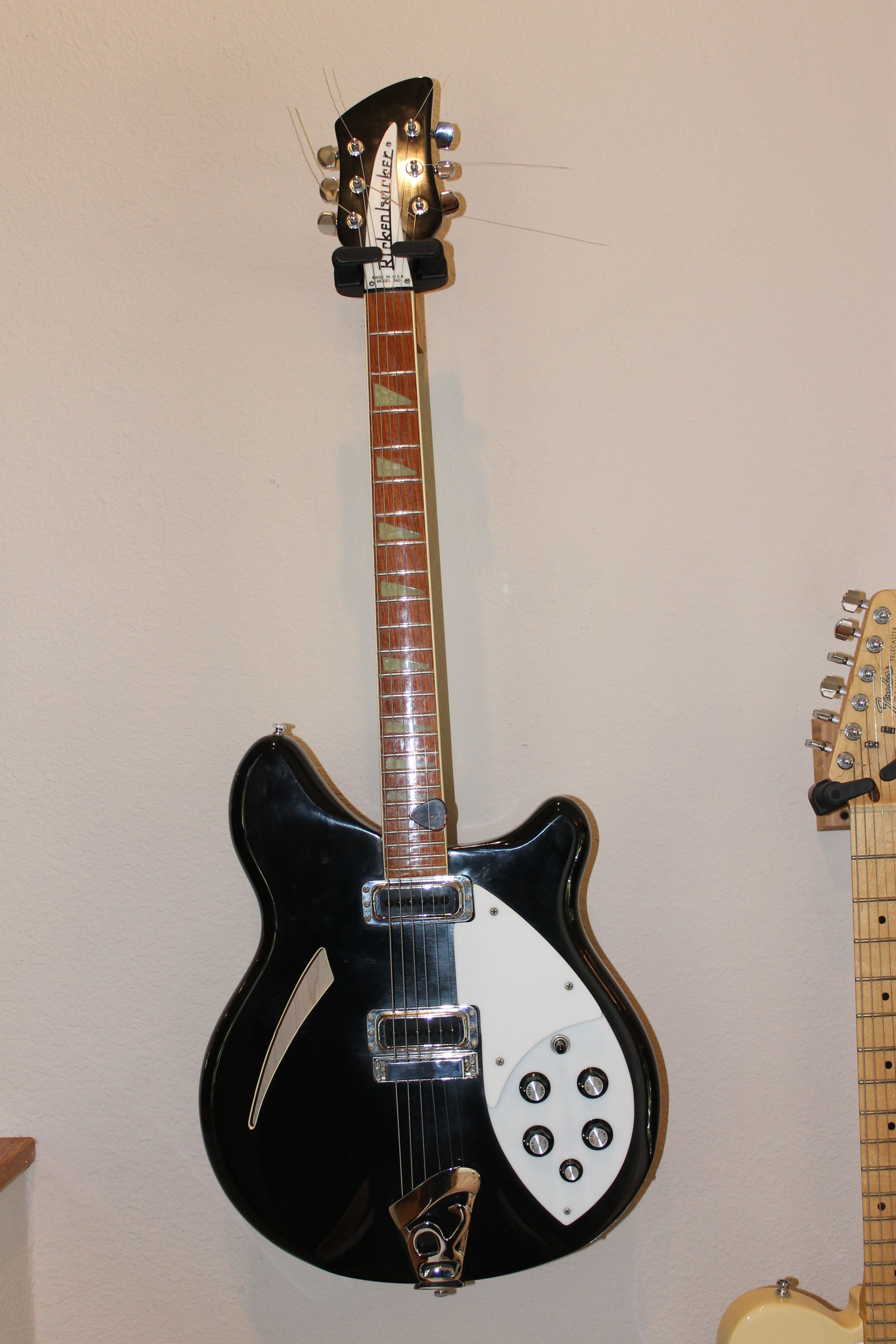 medium resolution of my rickenbacker 6 string