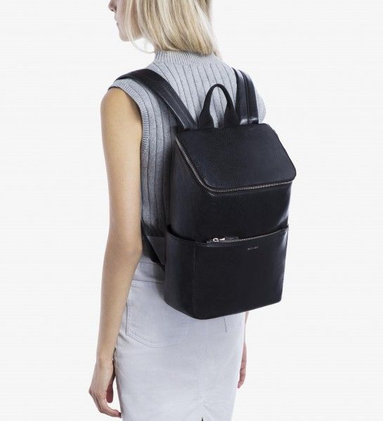 5c7be10a5f BRAVE - BLACK For when canvas is a little too casual may I suggest this Matt  and Nat bag  It s seriously amazing.
