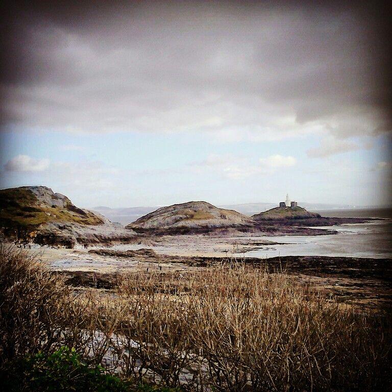 Looking towards the mumbles light house island.