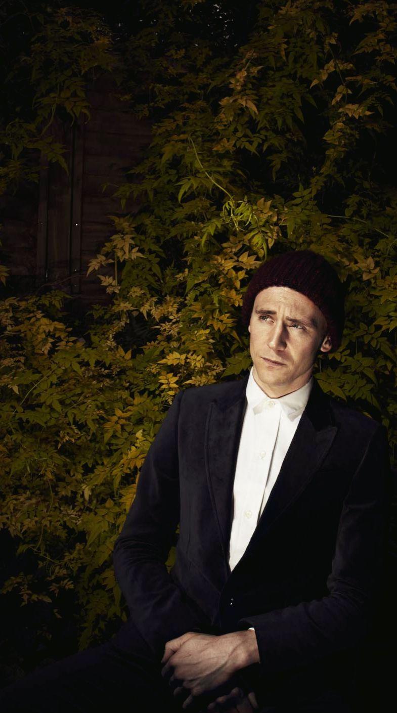 Tom Hiddleston By Desmond Muckian. Original: http://ww2.sinaimg.cn/large/6e14d388gw1ejw3ojhcj3j21mg1361ij.jpg. Source: http://torrilla.tumblr.com/post/96257422040/tom-hiddleston-by-desmond-muckian-originals-1-2#notes
