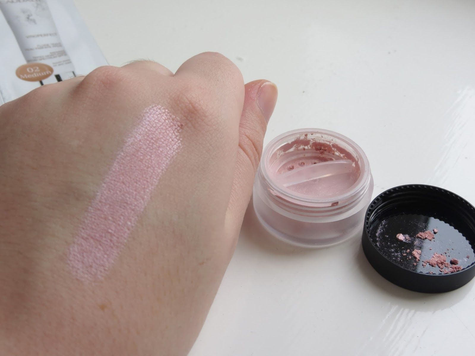 Blush Brush by Lily Lolo #8