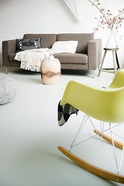 living room ideas...love the bright rocker - huisje | Pinterest ...