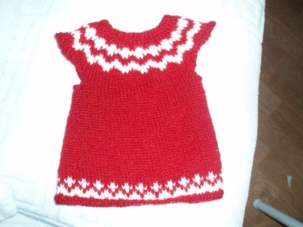 Baby Born dress   Kambgarn - wool - pins 3