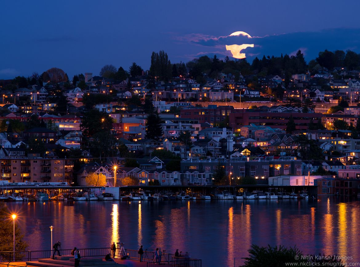 Supermoon rise over seattle, 2012 by Nitin Kansal on 500px