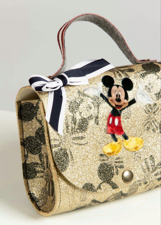 5e592df98e1de Entzückende Handtasche mit Mickey Mouse Motiv €149
