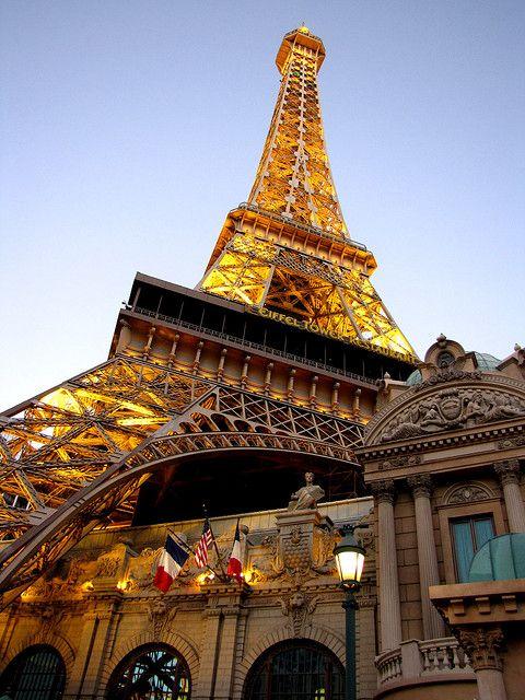 voila la tour Eiffel