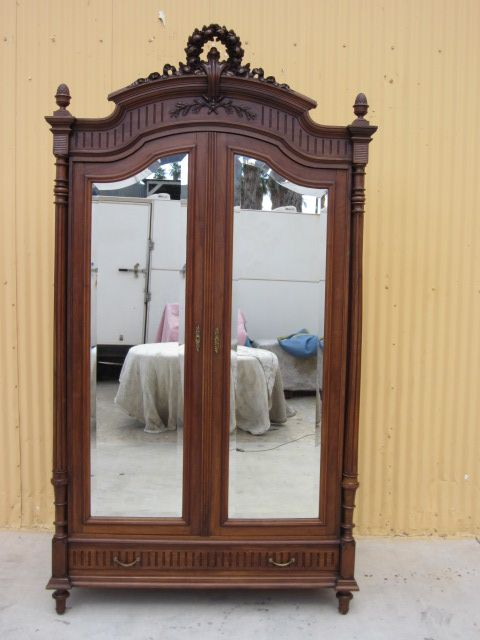 Merveilleux French Antique Armoire Wardrobe Louis Philippe Antique Furniture