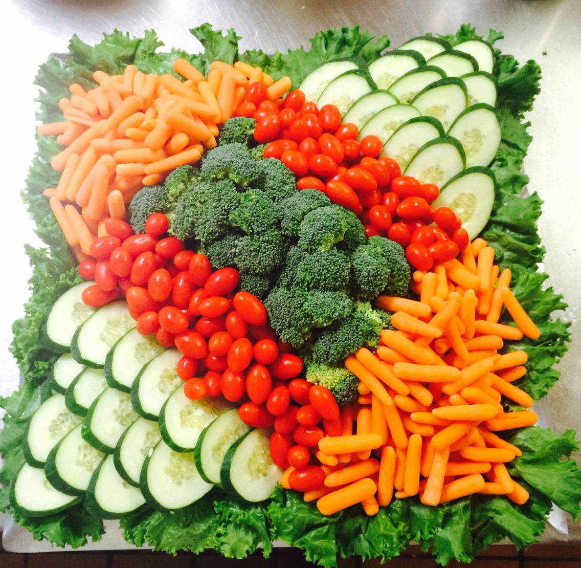 Enjoyable Simple Veggie Tray For 20 30 Foods Good And Good For You Beutiful Home Inspiration Aditmahrainfo