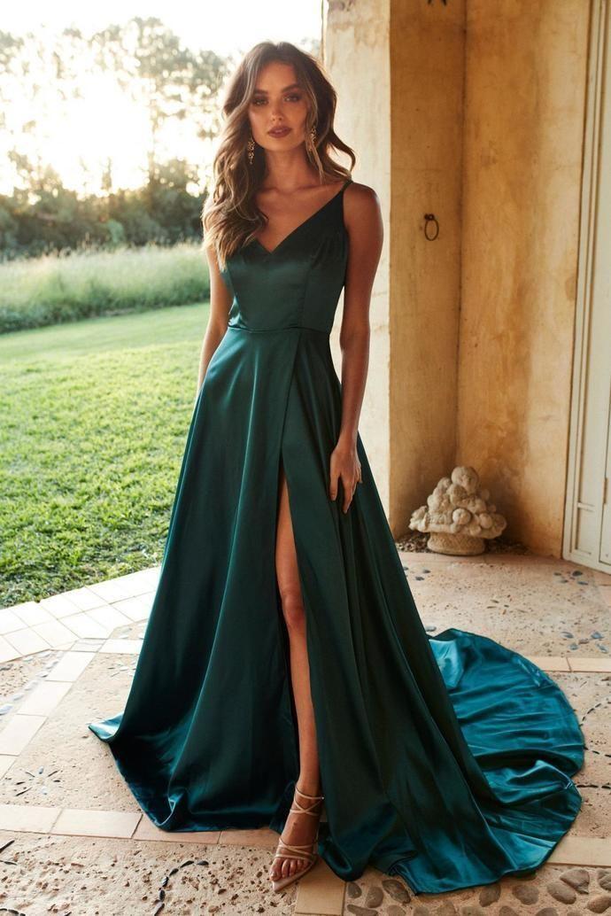 Blaugrünes, seidenähnliches, langes Abendkleid mit V-Ausschnitt aus Satin und elegantem Abendkleid mit hohem Schlitz #eveningdresses