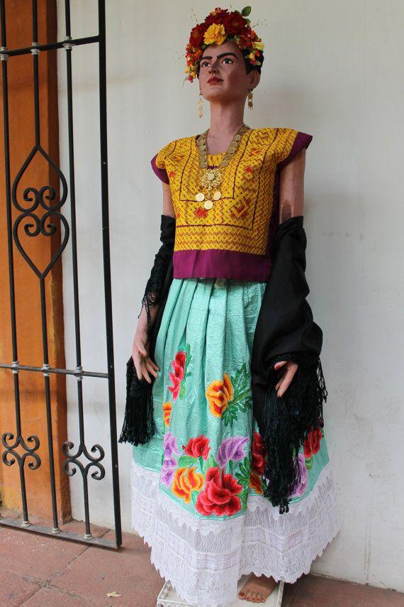 Huipil bordado de cadenilla amarillo y rojo por shkaalacoleccion estilo frida kahlo frida - Deguisement frida kahlo ...