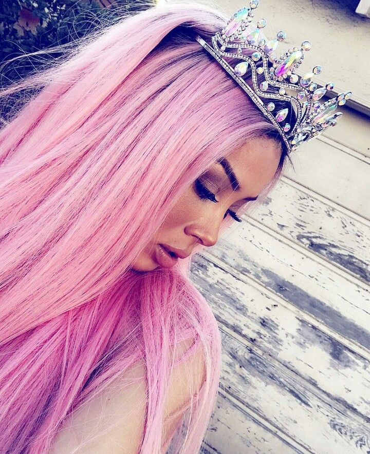 Hairstyles With Crown Queen: Pin By Prettybitch23🤪 🤍 On QUEEN PEE