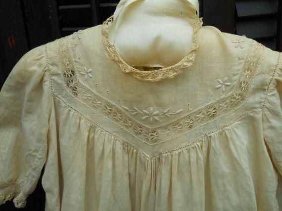 Antique 100 Yr Old Baby Christening Gown door VintagePackratQueen