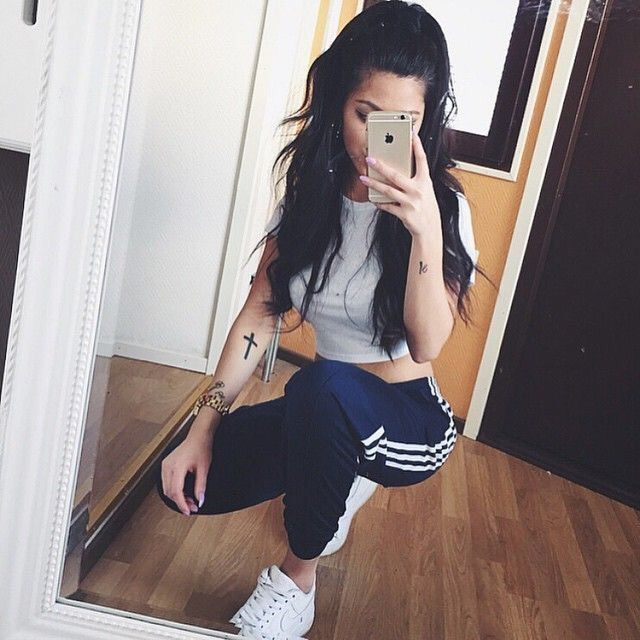 Brunette Girl, Adidas Outfit, Gym Outfits, Tumblr Clothes, Tumblr Outfits,  Outfit Ideas, Ps, Tumblr Fashion, Searching
