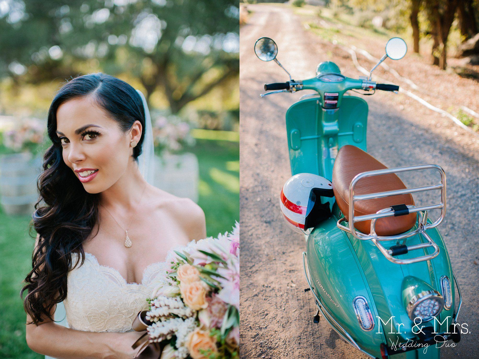 bride + mint green vespa = Italian Wedding Photo