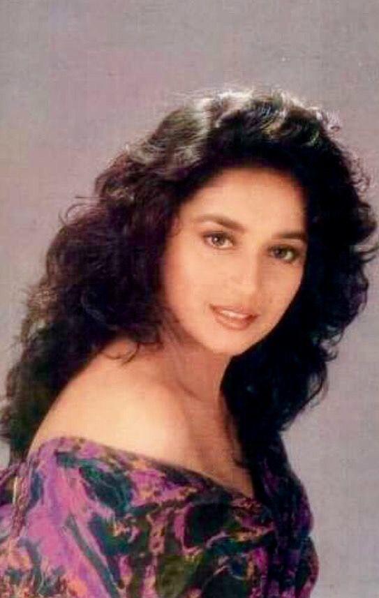 Pin By Prabhu Saravana On Bollywood 1990 S Madhuri Dixit Young Beautiful Indian Actress Madhuri Dixit Hot