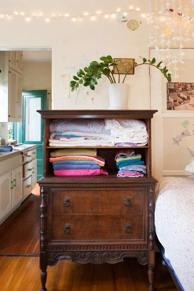 Jess Playful And Happy Haven In The Heart Of Echo Park Rental Furniture Home Decor Linen Closet