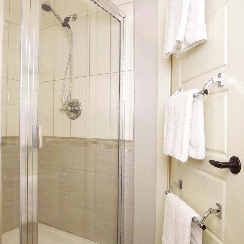 Towel Racks For Small Bathrooms | Bathroom Utensils | Pinterest ...