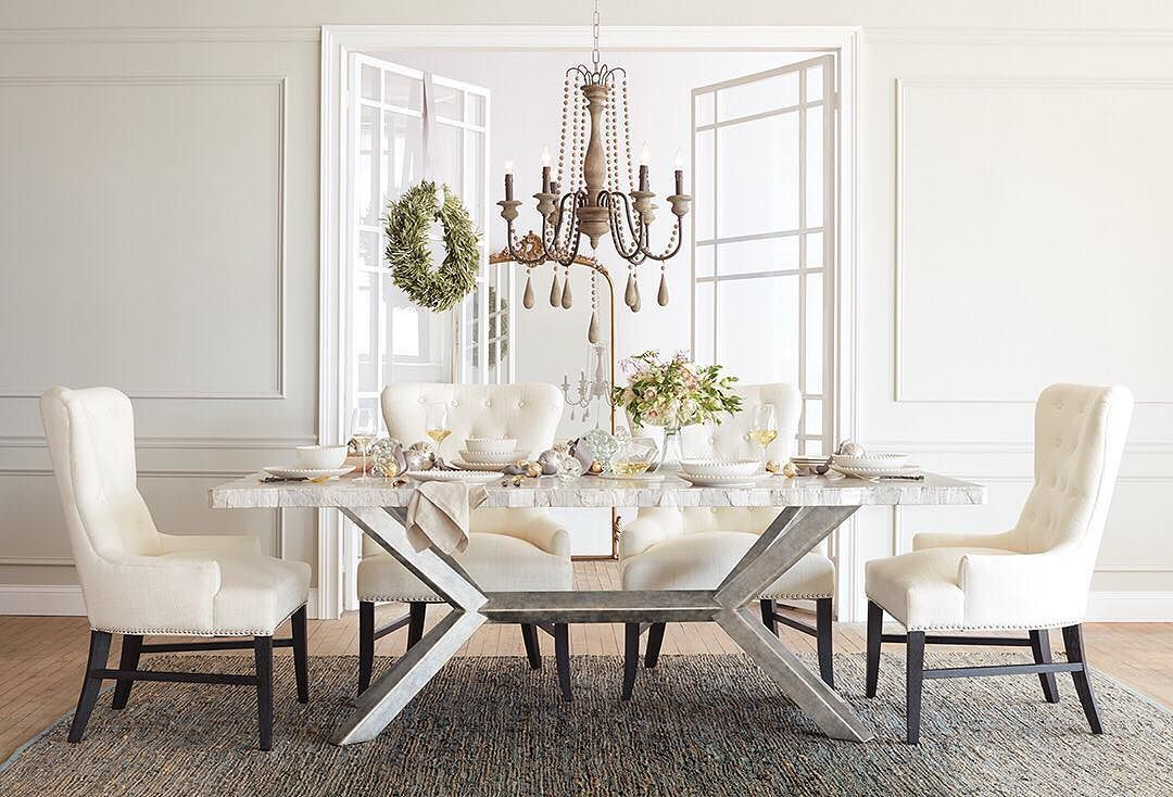 Beauty Comes From Those Who Gather Round The Table Or In This Case It Also Comes From The Table H Dining Table Marble Marble Dining Marble Top Dining Table