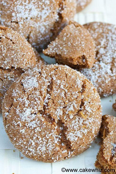 Molasses Crinkle Cookies Recipe Crinkle cookies, Crinkles and