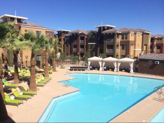 Apartments Near Downtown Phoenix Az Liv Ahwatukee Apartments Apartments For Rent Apartment Communities Apartment