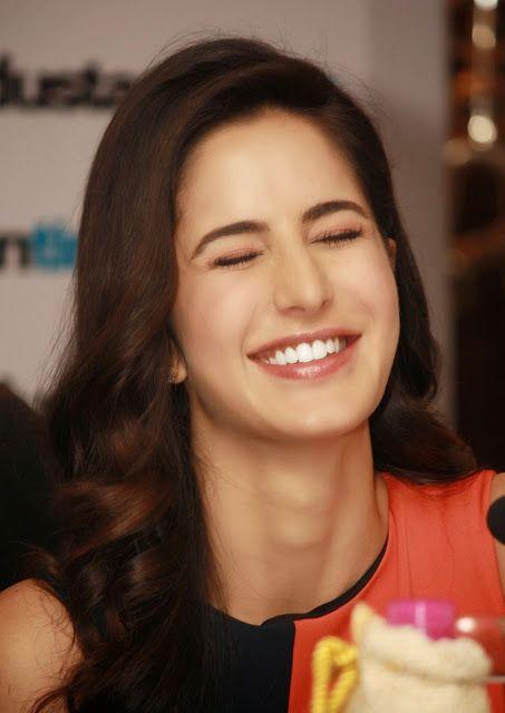 Lovely Cute Smile Katrina Kaif Hd Photos Pics 1080p Katrina Kaif Photo Katrina Kaif Katrina Kaif Images