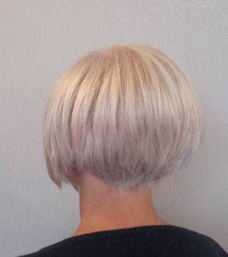 Short graduated bob on blonde hair. | 16402 Napes (2 ...  Short graduated...