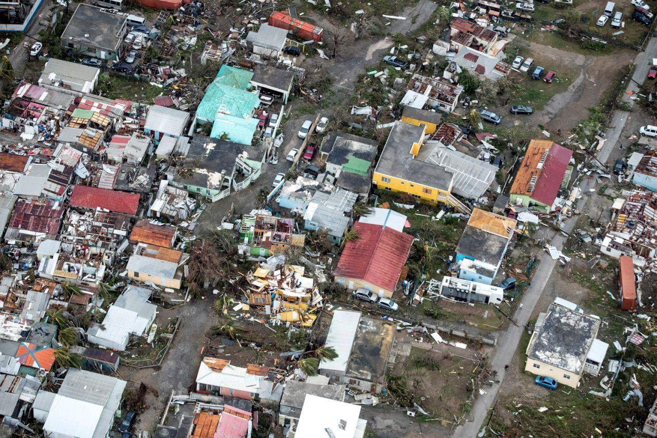 1 Of 10 Most Popular News Galleries Of 2017 Hurricane Irma Thrashes The Caribbean Saint Martin Island Caribbean Islands Hurricane