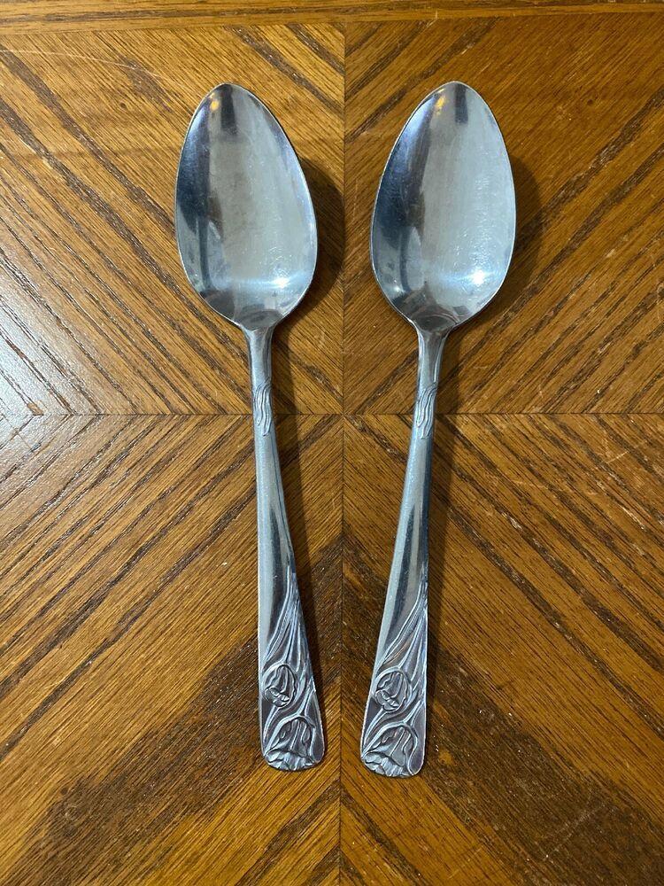 2 GIGI International Deluxe Japan Stainless Silverware Teaspoons