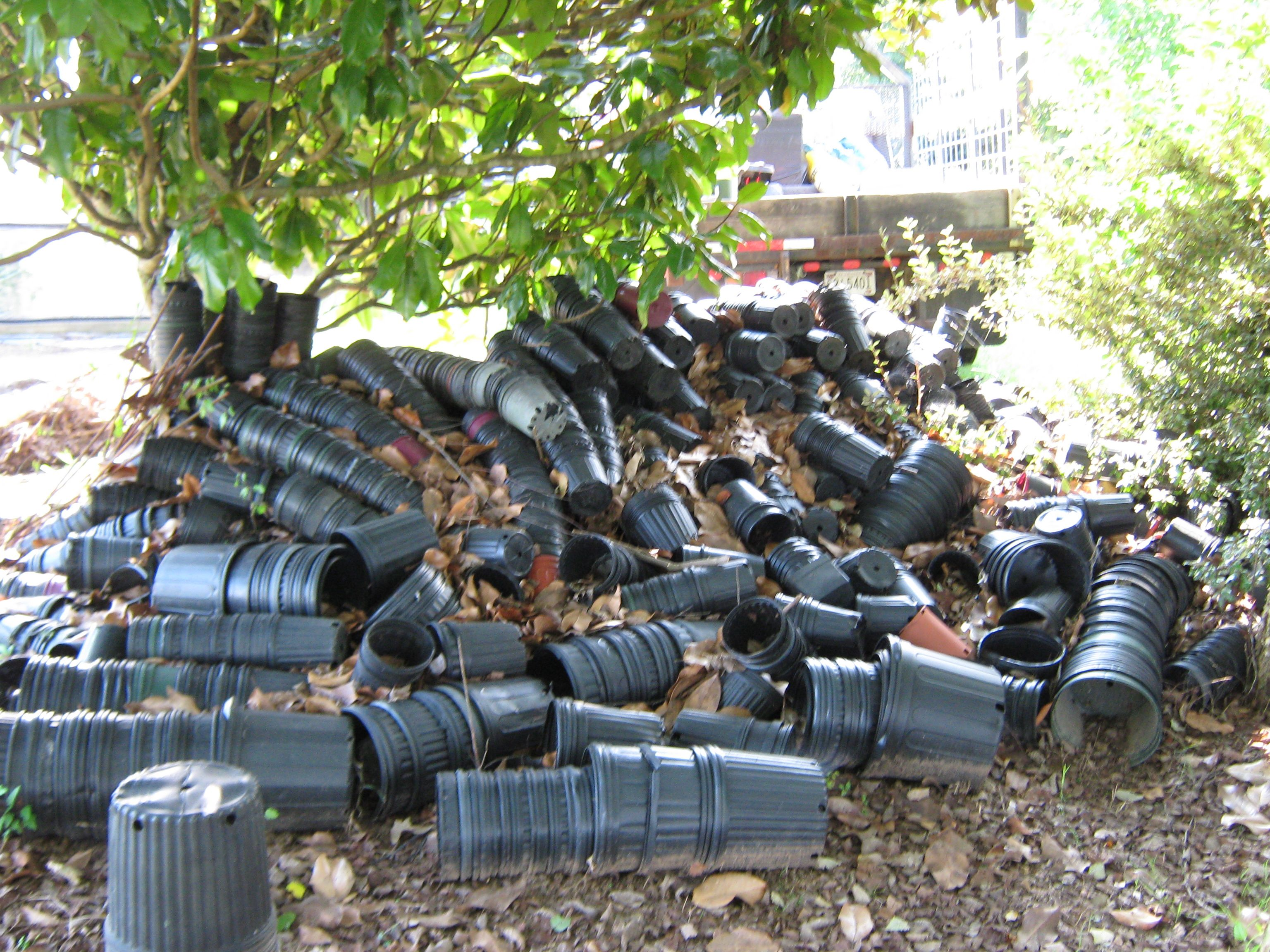 We removed a couple of flower pots for this customer in Massey, AL. 1,180 pounds of flower pots to be exact. : ) They were so glad to see them gone.
