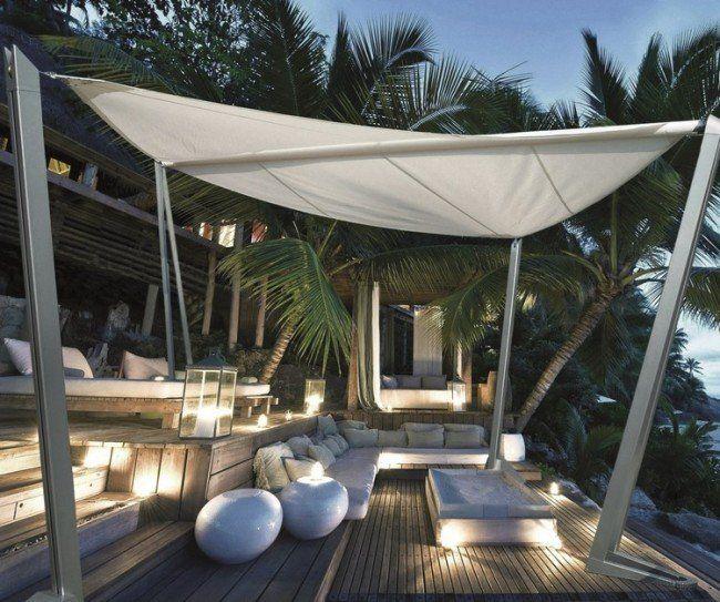freistehender Sonnensegel auf der Holz Terrasse Terrasse - terrassengestaltung mit wasserbecken