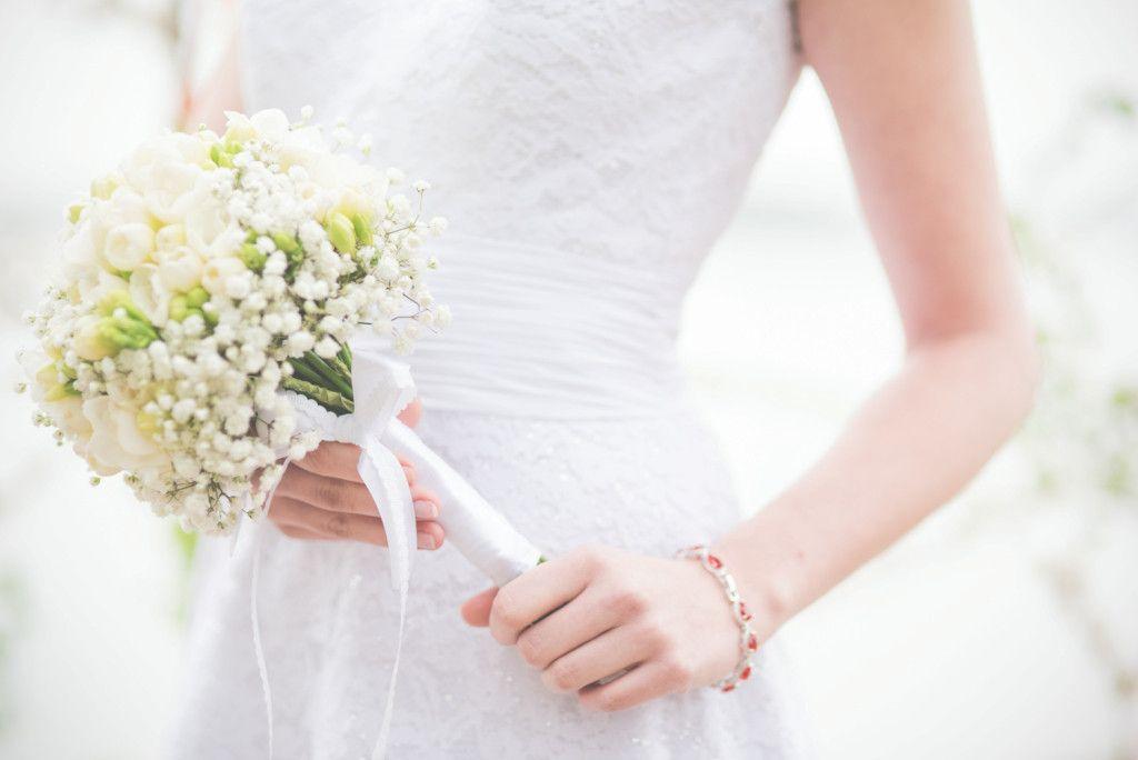 Bukiet Slubny Z Frezji I Gipsowki Wedding Dresses Dresses Wedding