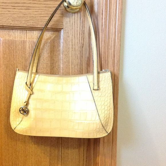 "Spotted while shopping on Poshmark: ""Leather handbag""! #poshmark #fashion #shopping #style #Handbags"