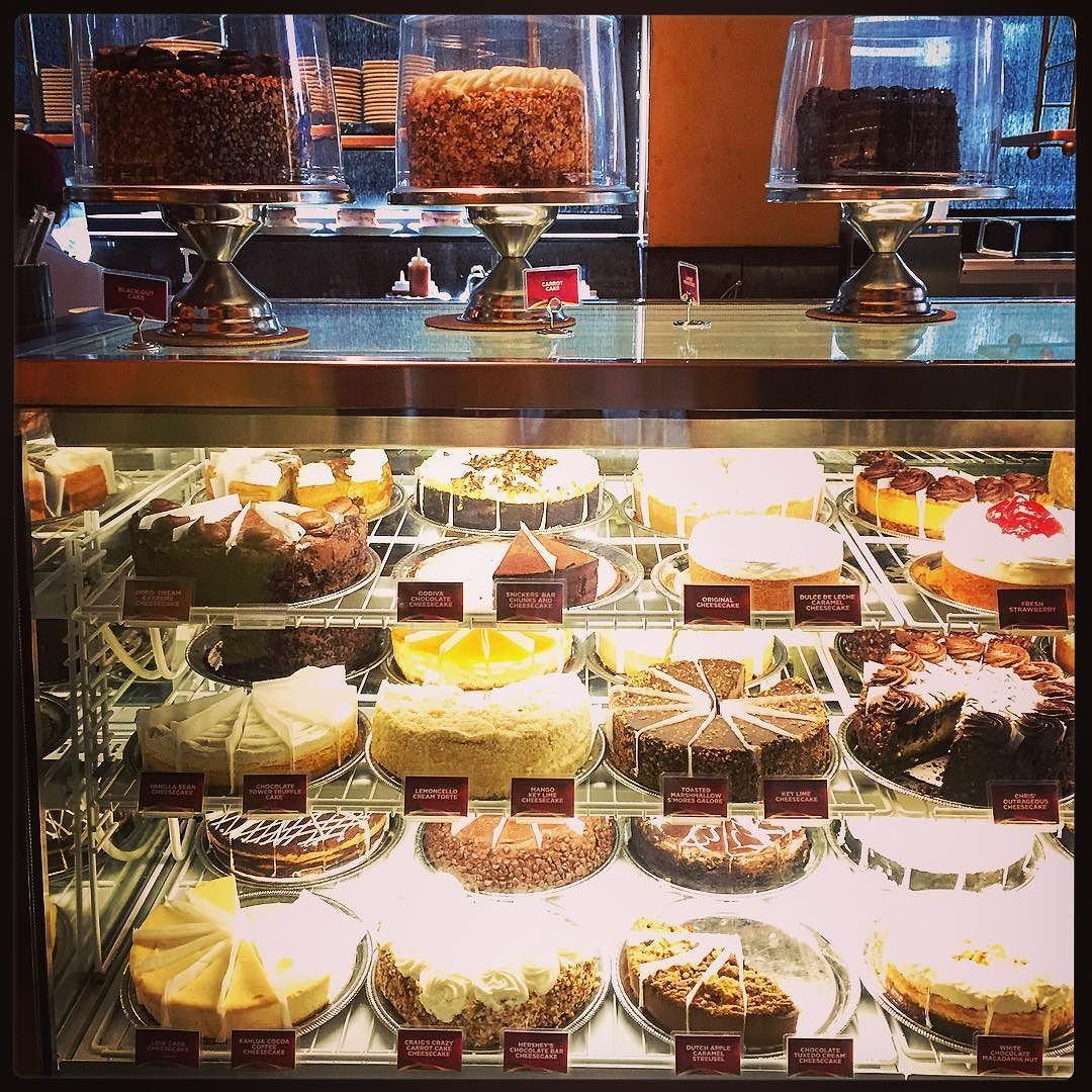 We kunnen het niet laten... :-/ Cheesecake for dinner!! :-)