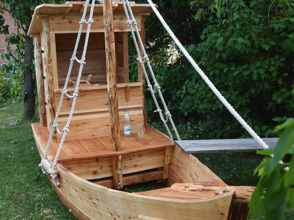 Spielschiff Von Vorne Spielgerate Fur Draussen Schiff Sandkasten Boot