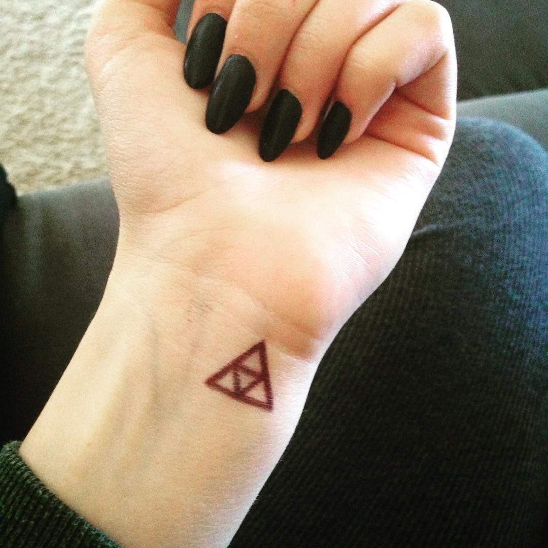 "I just want a triforce tattoo... T^T"" Nerdy tattoos"