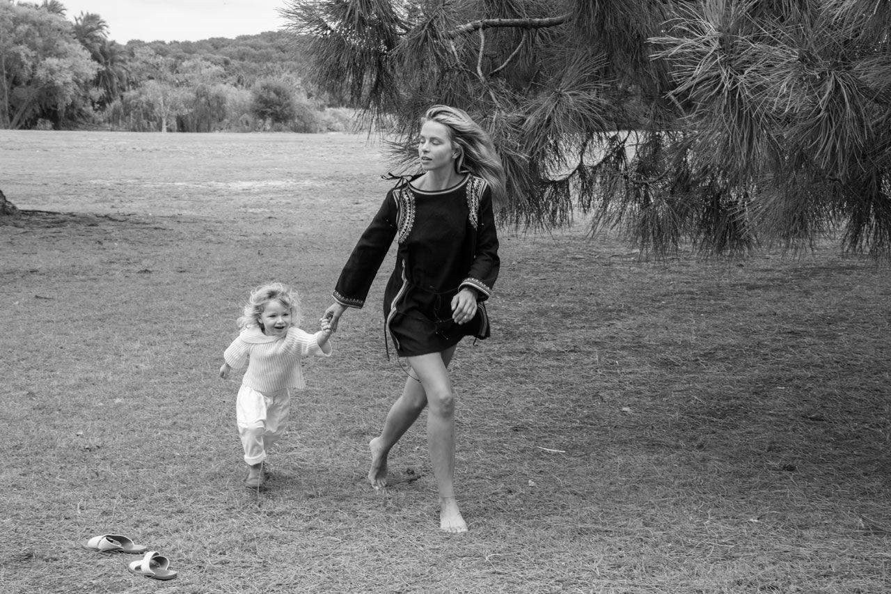 Australian field wanderings with Anna Feller and Banjo | DÔEN | www.shopdoen.com