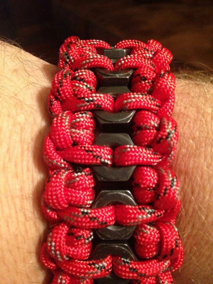 Paracord Bracelet w/nuts In the Braid.