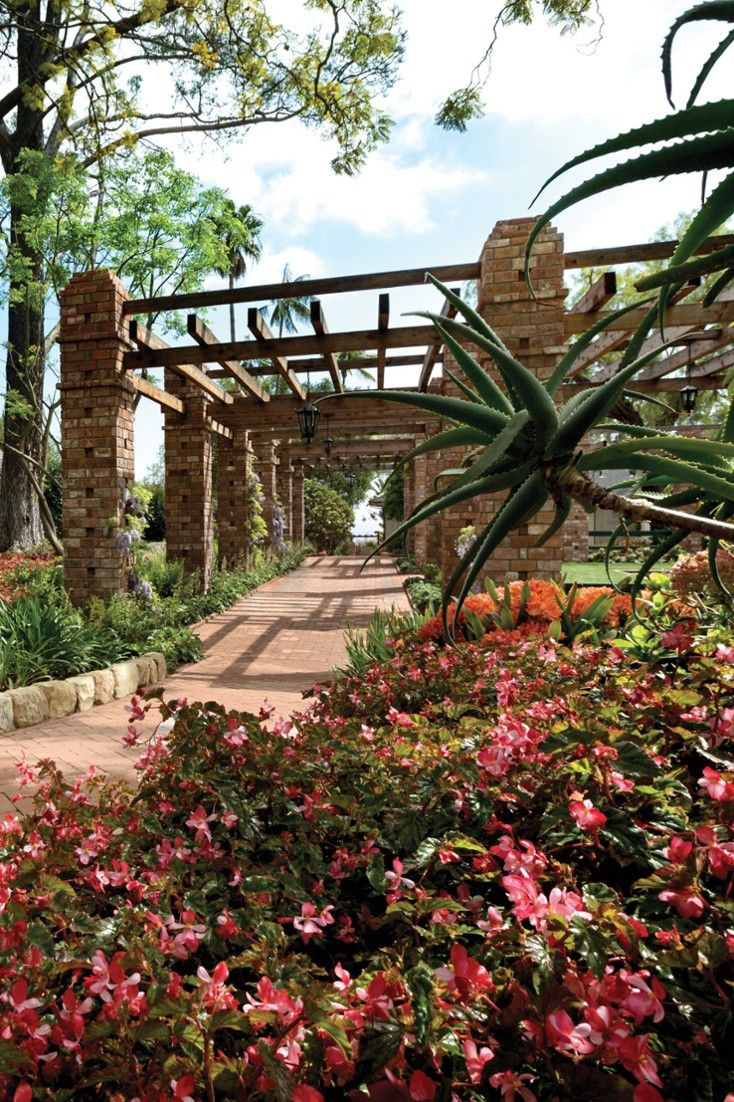 Garden Terrace Hotel: The Hotel Meticulously Maintains Its Famed Gardens