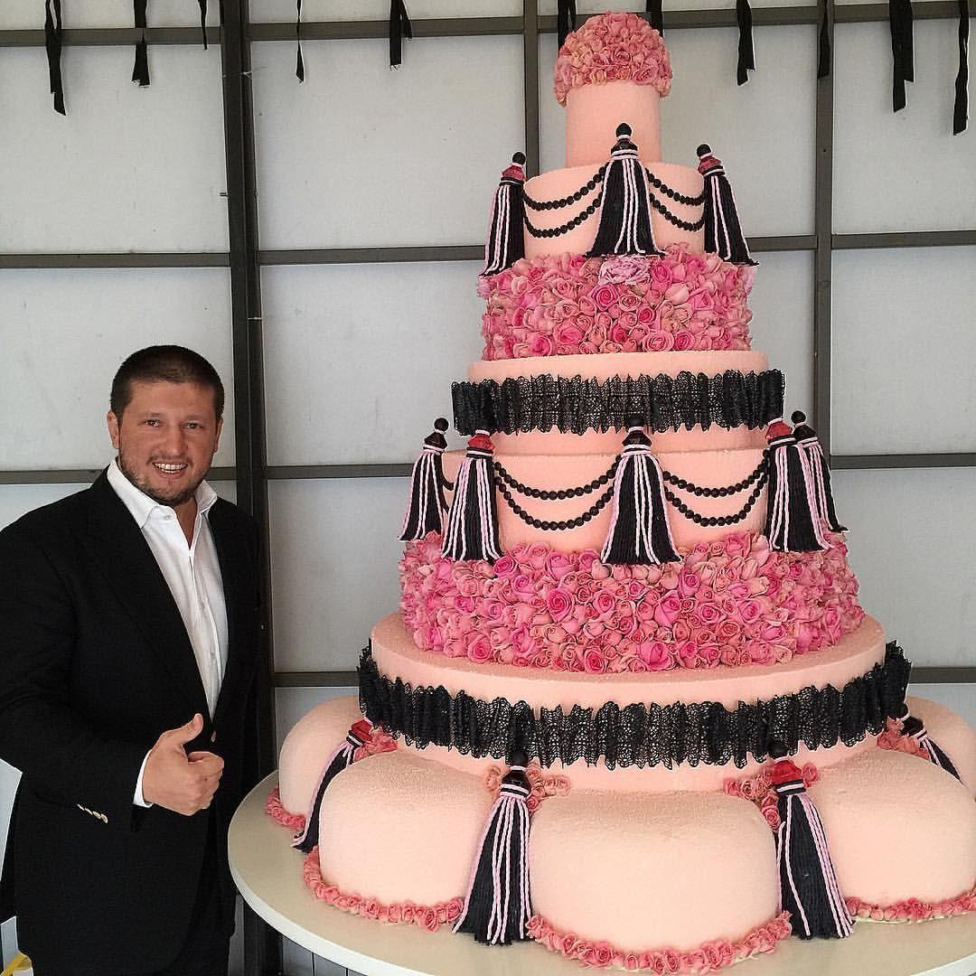 знаете, картинка огромный торт мужчине причинами можете