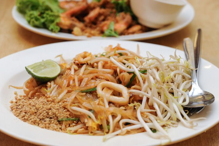 Aroy Dee Thai Kitchen It Offers One Of The Cheapest Thai Food In Singapore Classic Thai Dishes Like Pineapple Fried Ri Food Thai Recipes Authentic Thai Food