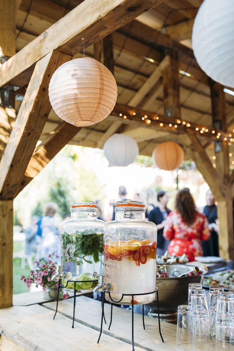 Lassige Gartenhochzeit Mit Freier Trauung Hochzeitsblog The Little Wedding Corner Gartenhochzeit Bilderrahmen Hochzeit Hochzeit Garten