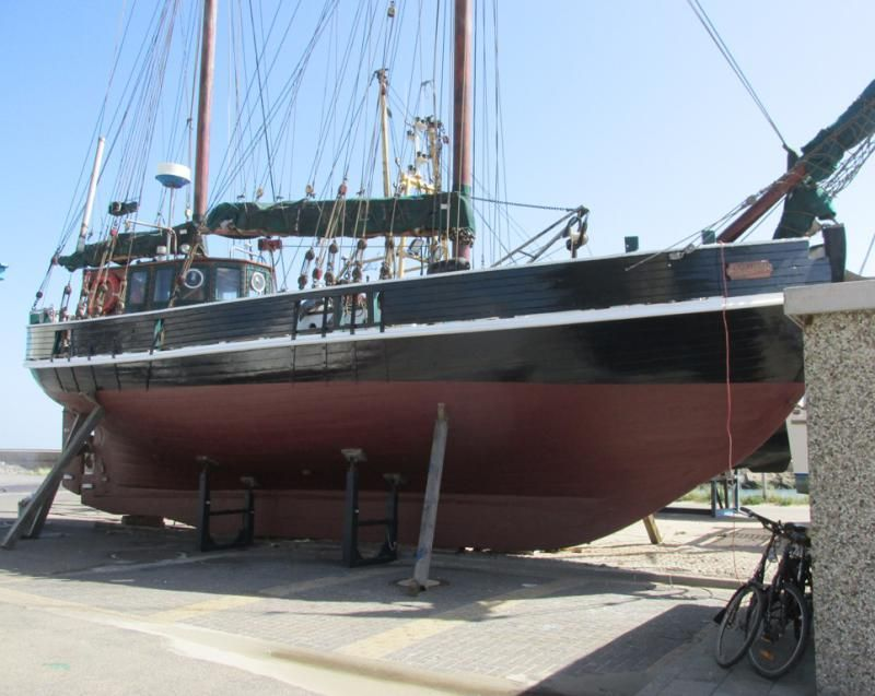 15m gaff ketch wooden converted motor fishing vessel for Fishing boat motor