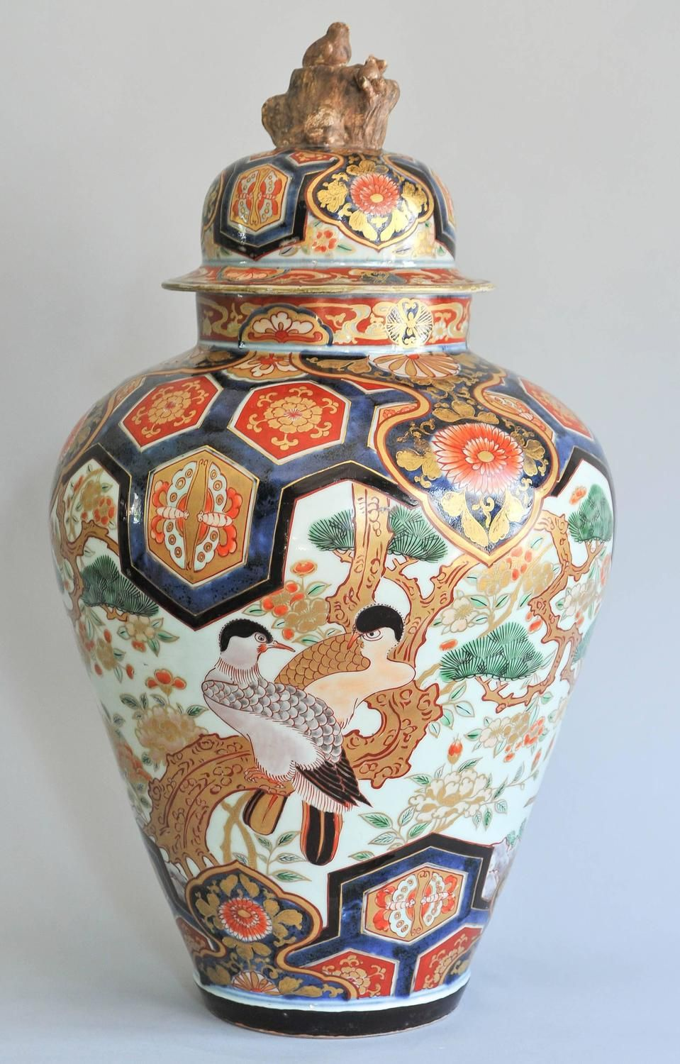 18th century japanese imari porcelain vase with lid raymond 18th century japanese imari porcelain vase with lid raymond horneman reviewsmspy
